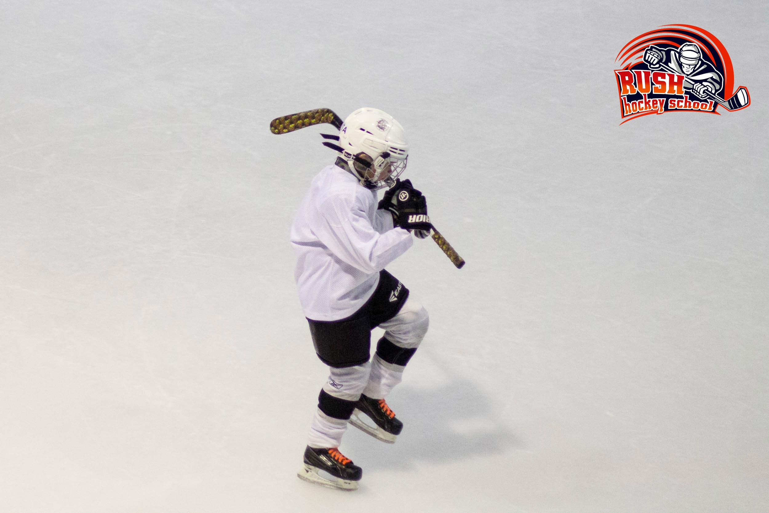 Хоккейные сборы 2016 г  в спортивной школе RUSH